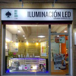Tienda LED en Alaquás - Noche fachada