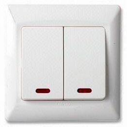 Interruptor de pared con luz neon