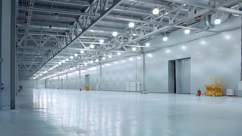 Ejemplo de iluminación LED en nave industrial 02